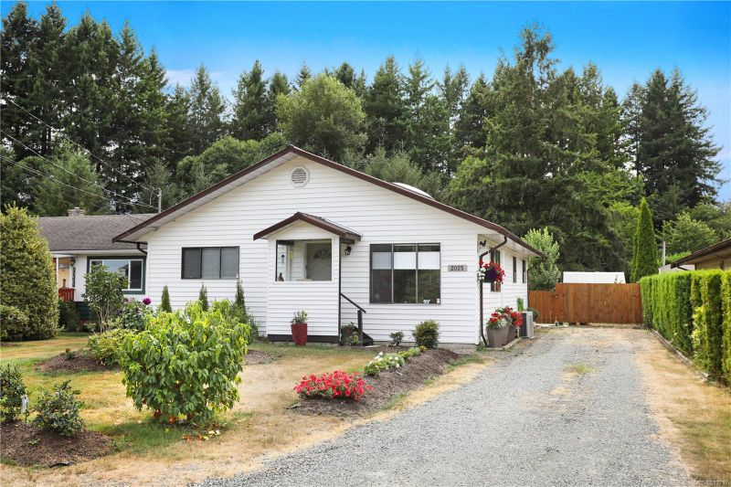FEATURED LISTING: 2025 Cousins Ave Courtenay