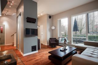 """Photo 3: 1075 EXPO Boulevard in Vancouver: Yaletown Townhouse for sale in """"MARINA POINTE"""" (Vancouver West)  : MLS®# R2253361"""