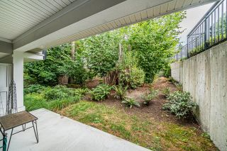 """Photo 19: 1 15717 MOUNTAIN VIEW Drive in Surrey: Grandview Surrey Townhouse for sale in """"Olivia"""" (South Surrey White Rock)  : MLS®# R2610838"""