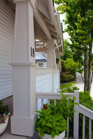 "Photo 22: 18 15037 58 Avenue in Surrey: Sullivan Station Townhouse for sale in ""WOODBRIDGE"" : MLS®# R2586307"