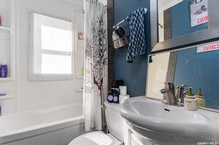 Photo 9: 819 H Avenue North in Saskatoon: Westmount Residential for sale : MLS®# SK852925