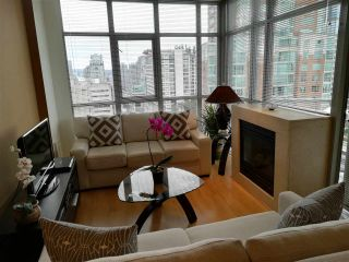 """Photo 3: The Sterling: 1806 1050 SMITHE STREET in West End - Vancouver: Number of Units: 129 Condo for sale in """"THE STERLING"""" (Vancouver West)  : MLS®# R2293269"""