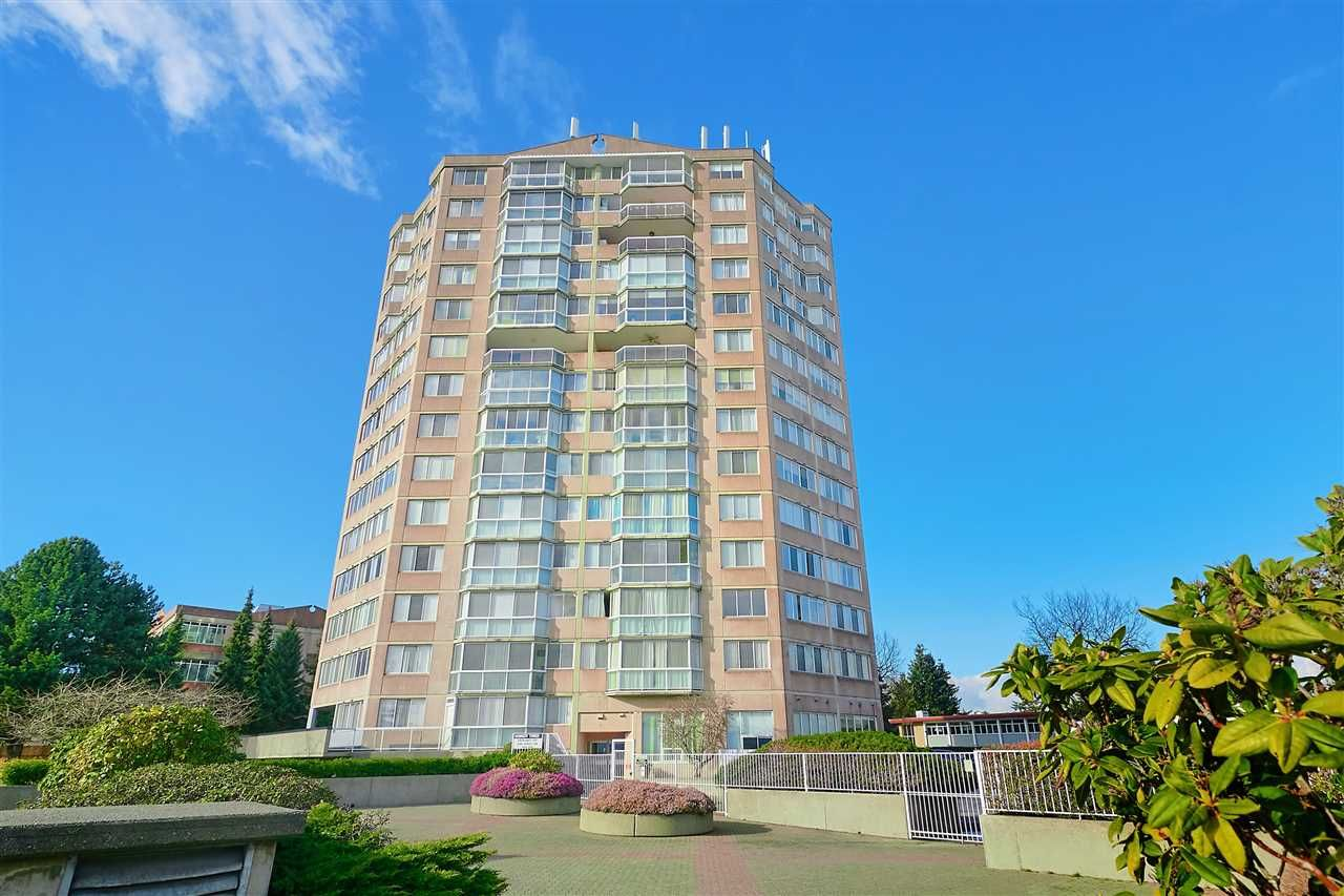 """Main Photo: 301 11881 88 Avenue in Delta: Annieville Condo for sale in """"KENNEDY HEIGHTS TOWER"""" (N. Delta)  : MLS®# R2537238"""