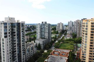 "Photo 13: 1708 3663 CROWLEY Drive in Vancouver: Collingwood VE Condo for sale in ""LATITUDE"" (Vancouver East)  : MLS®# R2535378"