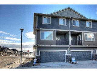 Photo 2: 199 Panatella Square NW in Calgary: Panorama Hills Townhouse for sale : MLS®# C3646555