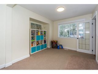 Photo 5: 32500 QUALICUM Place in Abbotsford: Central Abbotsford House for sale : MLS®# R2240933