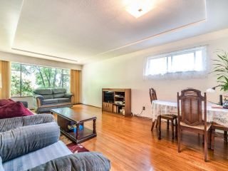 Photo 8: 950 E 17TH AVENUE in Vancouver: Fraser VE House for sale (Vancouver East)  : MLS®# R2601203