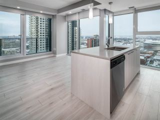 Photo 3: 2102 10180 103 Street in Edmonton: Zone 12 Condo for sale : MLS®# E4234089