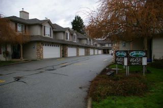 "Photo 3: 107 46451 MAPLE Avenue in Chilliwack: Chilliwack E Young-Yale Townhouse for sale in ""Fairlane"" : MLS®# R2255667"