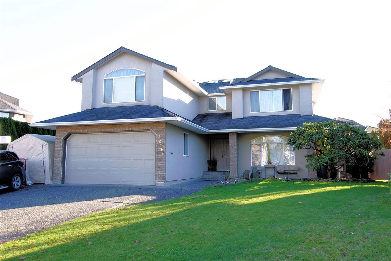 Main Photo: 22266 47 AVENUE in Langley: Murrayville House for sale : MLS®# R2323768