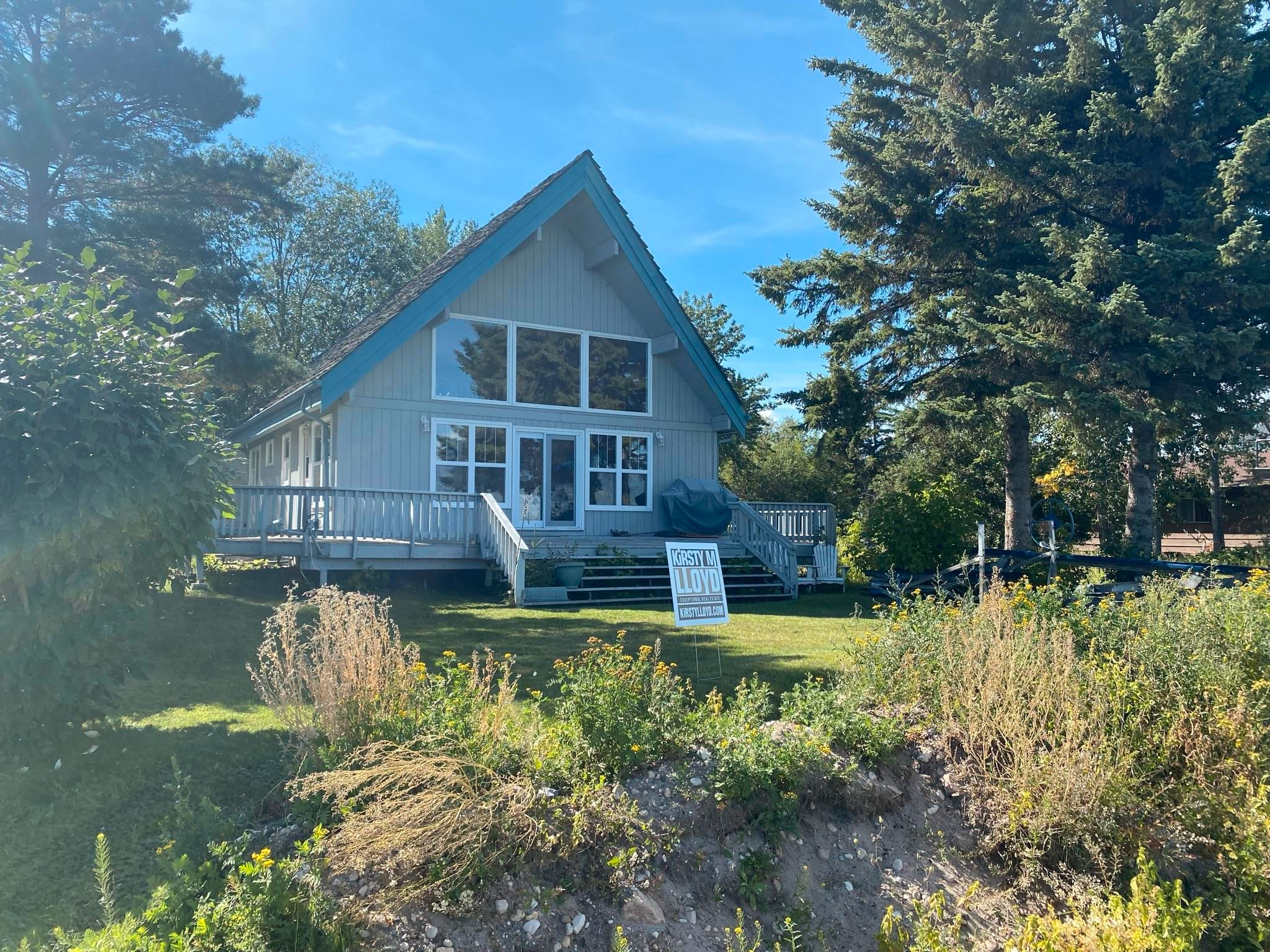 Main Photo: 330 CRYSTAL SPRINGS Close: Rural Wetaskiwin County House for sale : MLS®# E4260907