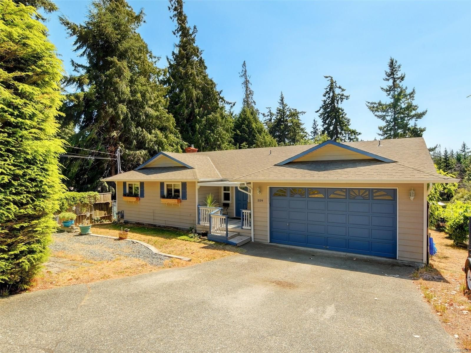 Main Photo: 559 Bunker Rd in Colwood: Co Latoria House for sale : MLS®# 882241