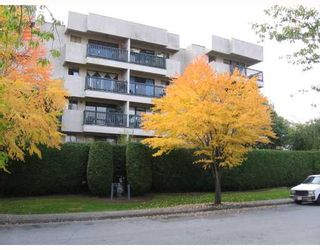 """Photo 2: 409 2142 CAROLINA Street in Vancouver: Mount Pleasant VE Condo for sale in """"WOOD DALE"""" (Vancouver East)  : MLS®# V793315"""
