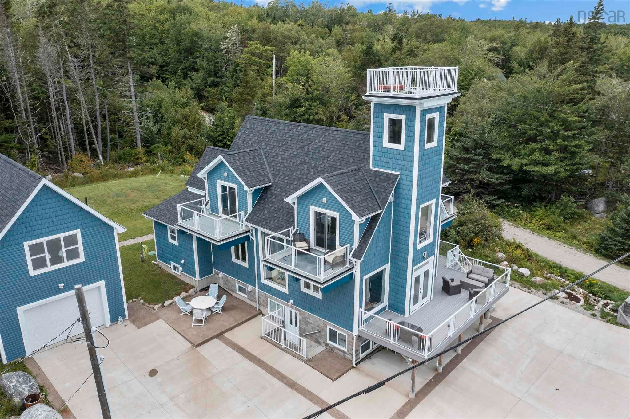 Main Photo: 596 Highway 329 in Fox Point: 405-Lunenburg County Multi-Family for sale (South Shore)  : MLS®# 202124396