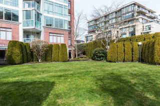 """Photo 2: 1202 130 E 2ND Street in North Vancouver: Lower Lonsdale Condo for sale in """"The Olympic"""" : MLS®# R2416935"""