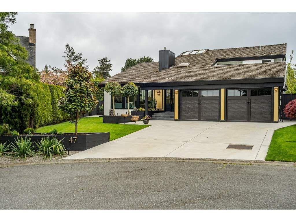 Main Photo: 47 DIEFENBAKER Wynd in Delta: Pebble Hill House for sale (Tsawwassen)  : MLS®# R2484198