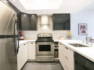 """Photo 10: 907 71 JAMIESON Court in New Westminster: Fraserview NW Condo for sale in """"PALACE QUAY"""" : MLS®# R2072471"""