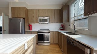 """Photo 3: 8 38684 BUCKLEY Avenue in Squamish: Dentville Townhouse for sale in """"Newport Landing"""" : MLS®# R2613322"""