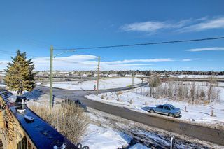 Photo 4: 711 13A Street NE in Calgary: Renfrew Residential for sale : MLS®# A1071855