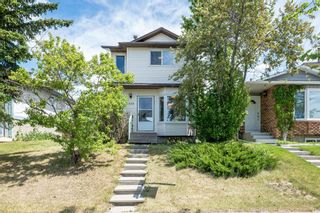 Main Photo: 4828 60 Street NE in Calgary: Temple Detached for sale : MLS®# A1121877