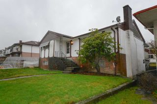 Photo 12: 5611 COLLEGE Street in Vancouver: Collingwood VE House for sale (Vancouver East)  : MLS®# R2236427