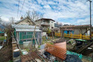 "Photo 15: 2504 NAPIER Street in Vancouver: Renfrew VE House for sale in ""RENFREW"" (Vancouver East)  : MLS®# R2449289"