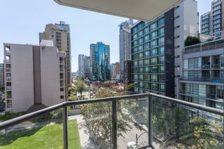 """Photo 1: 605 1212 HOWE Street in Vancouver: Downtown VW Condo for sale in """"1212 Howe"""" (Vancouver West)  : MLS®# R2091992"""