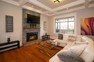 """Photo 5: 936 E 28TH Avenue in Vancouver: Fraser VE House for sale in """"FRASER"""" (Vancouver East)  : MLS®# R2624690"""