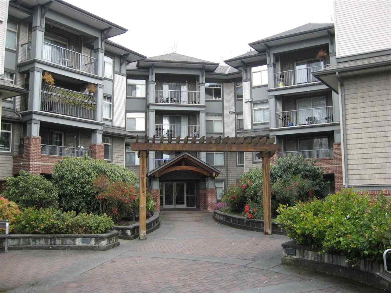 "Main Photo: 212 12020 207A Street in Maple Ridge: Northwest Maple Ridge Condo for sale in ""Westbrooke"" : MLS®# R2368399"