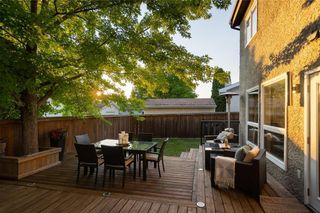 Photo 32: 30 Kinsbourne Green in Winnipeg: House for sale : MLS®# 202116378