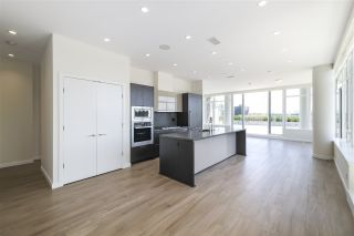 """Photo 4: 702 768 ARTHUR ERICKSON Place in West Vancouver: Park Royal Condo for sale in """"EVELYN - Forest's Edge PENTHOUSE"""" : MLS®# R2549644"""