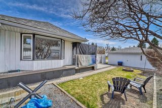 Photo 4: 10843 Mapleshire Crescent SE in Calgary: Maple Ridge Detached for sale : MLS®# A1099704