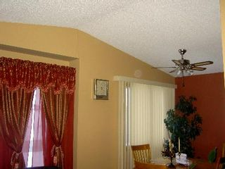 Photo 2: 45 Kinver: Residential for sale (Tyndall Park)  : MLS®# 2702723