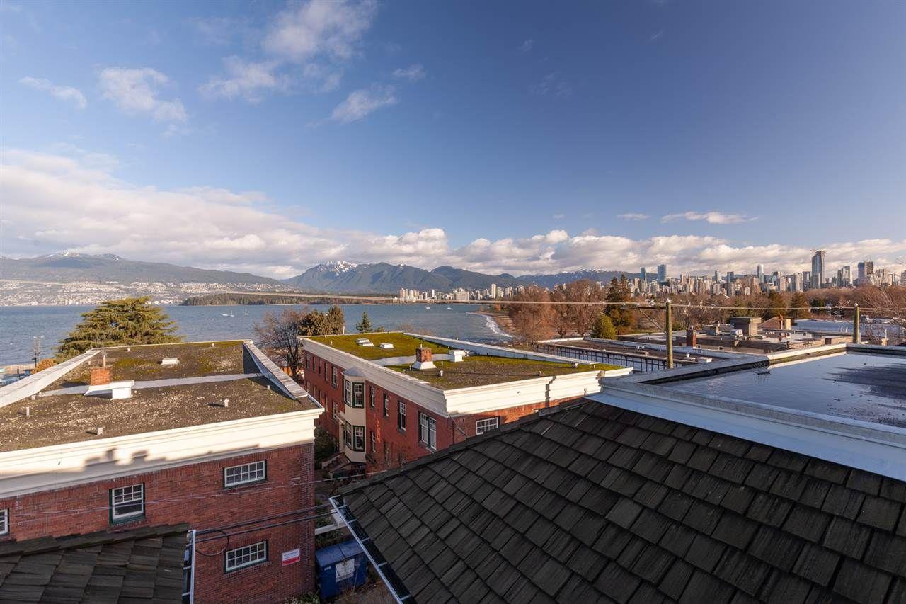"Photo 4: Photos: 11 1535 VINE Street in Vancouver: Kitsilano Condo for sale in ""Vine Grove"" (Vancouver West)  : MLS®# R2530154"