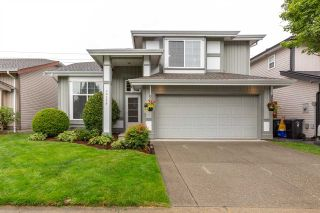 Photo 1: 20259 94B AVENUE in Langley: Walnut Grove House for sale : MLS®# R2476023