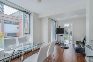 """Photo 4: TH 15 550 TAYLOR Street in Vancouver: Downtown VW Condo for sale in """"The Taylor"""" (Vancouver West)  : MLS®# R2219638"""