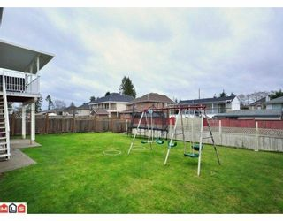 Photo 10: 13916 90A Avenue in Surrey: Bear Creek Green Timbers House for sale : MLS®# F1001200