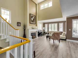 Photo 4: 49 3405 PLATEAU BOULEVARD in Coquitlam: Westwood Plateau Townhouse for sale : MLS®# R2610409