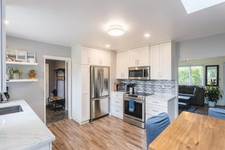Photo 10: 24896 SMITH Avenue in Maple Ridge: Websters Corners House for sale : MLS®# R2594874
