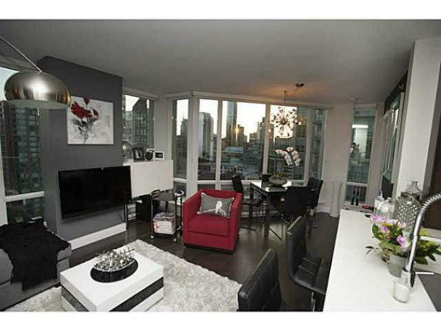 """Photo 9: Photos: 1707 535 SMITHE Street in Vancouver: Downtown VW Condo for sale in """"DOLCE AT SYMPHONY PLACE"""" (Vancouver West)  : MLS®# V1138374"""
