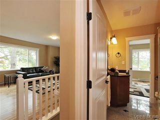 Photo 12: 1274 Vista Hts in VICTORIA: Vi Hillside Half Duplex for sale (Victoria)  : MLS®# 611096