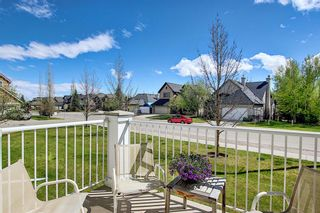 Photo 2: 45 Discovery Heights SW in Calgary: Discovery Ridge Row/Townhouse for sale : MLS®# A1109314