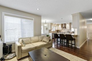 Photo 17: 32 Sierra Morena Way SW in Calgary: Signal Hill Semi Detached for sale : MLS®# A1091813