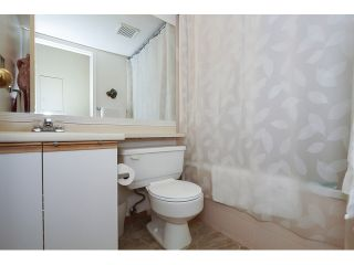 """Photo 13: 303 3505 W BROADWAY in Vancouver: Kitsilano Condo for sale in """"COLLINGWOOD PLACE"""" (Vancouver West)  : MLS®# R2086967"""