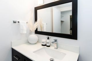 """Photo 22: 204 327 W 2ND Street in North Vancouver: Lower Lonsdale Condo for sale in """"Somerset Manor"""" : MLS®# R2589044"""