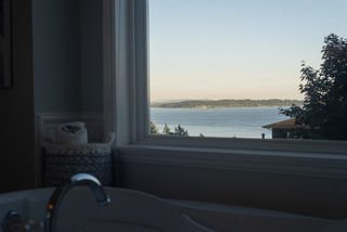 Photo 23: 13518 MARINE Drive in Surrey: Crescent Bch Ocean Pk. House for sale (South Surrey White Rock)  : MLS®# R2597553