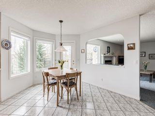 Photo 15: 54 Signature Close SW in Calgary: Signal Hill Detached for sale : MLS®# A1138139