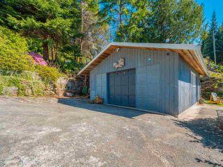 Photo 2: 5220 CLAYDON Road in Garden Bay: Pender Harbour Egmont House for sale (Sunshine Coast)  : MLS®# R2573318