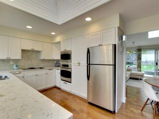 Photo 4: 510 E BRAEMAR Road in North Vancouver: Upper Lonsdale House for sale : MLS®# R2162366
