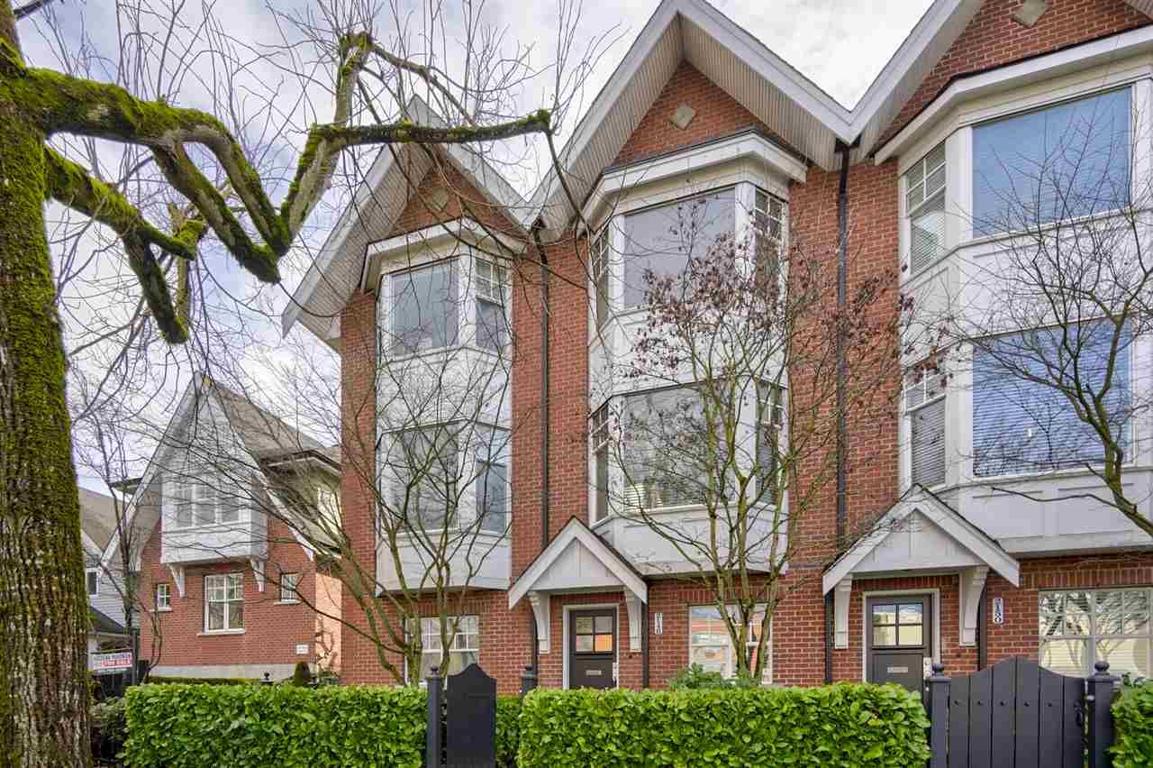 """Main Photo: 2148 W 8TH Avenue in Vancouver: Kitsilano Townhouse for sale in """"Hansdowne Row"""" (Vancouver West)  : MLS®# R2537201"""